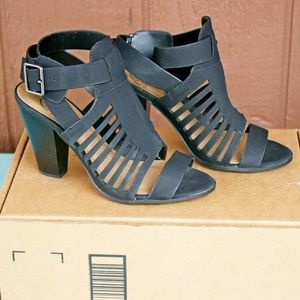 Delicious Yummy Heeled Sandals Black Size 7.5